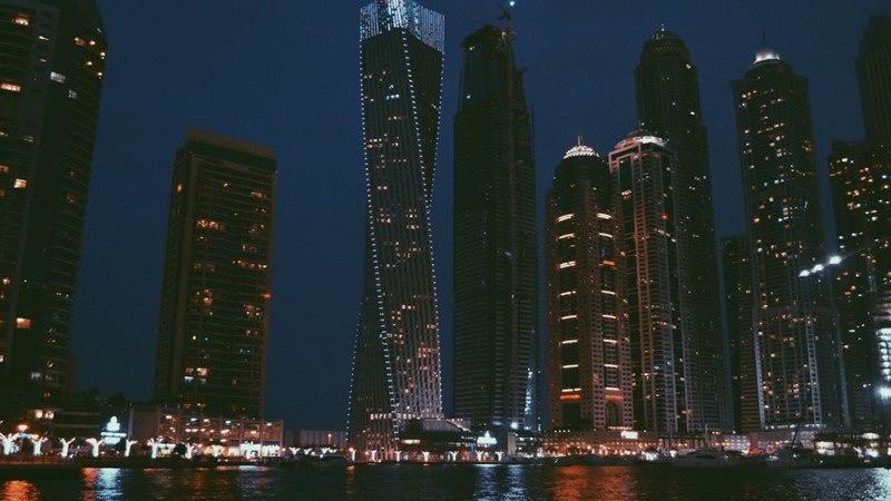 Roberto Cavalli to build luxury Dubai skyscraper -2-