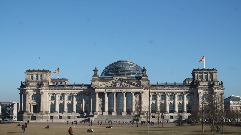 Europe shares end slightly higher after German election results